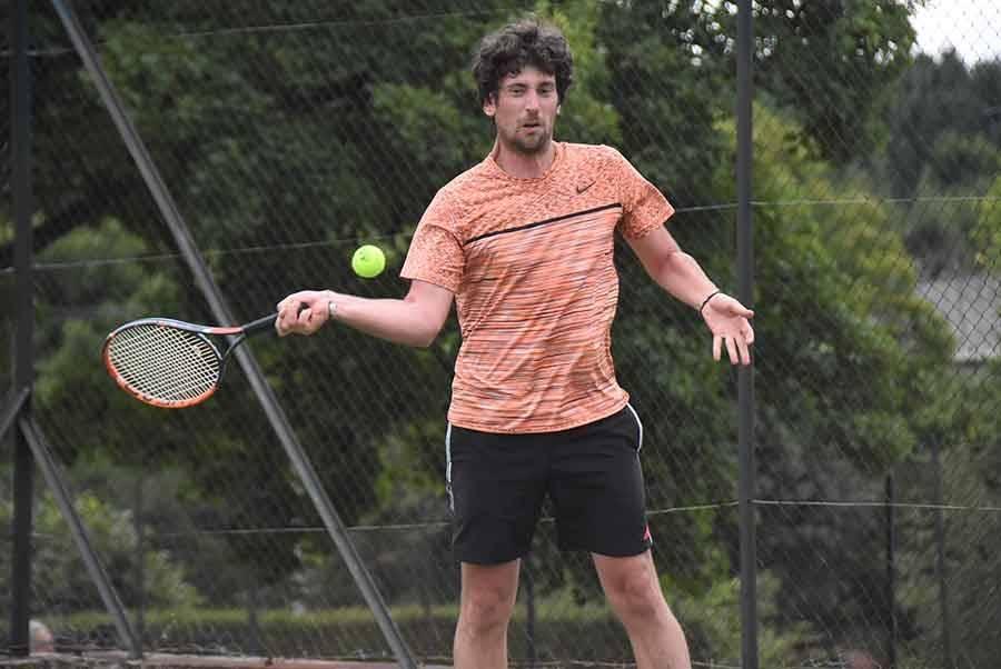 Saint-Agrève : Lucille Verneyre et Maxime Taupenas remportent le tournoi de tennis