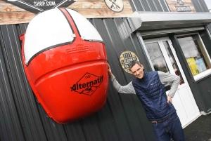 Damien Bachelard a accroché la télécabine à son magasin