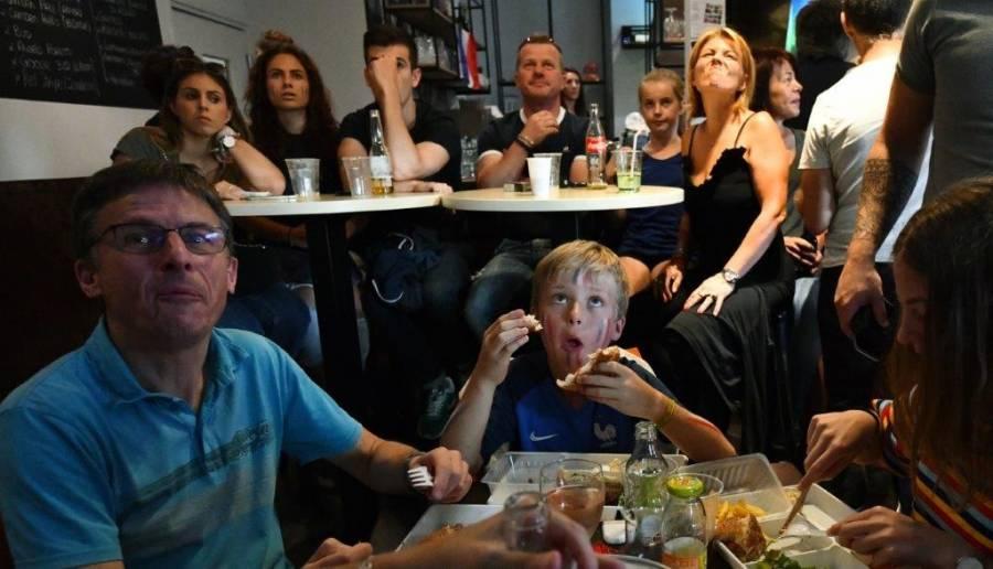 Monistrol-sur-Loire : les yeux dans les Bleus