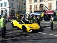 Puy-en-Velay : quand les Gilets jaunes croisent une Lamborghini... jaune