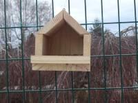 Tence : les collégiens fabriquent des mangeoires pour les oiseaux