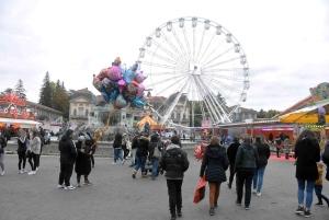 Puy-en-Velay : la fête foraine avance masquée