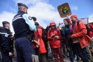 Laurent Wauquiez, ses partisans et ses opposants au rendez-vous sur le Mézenc
