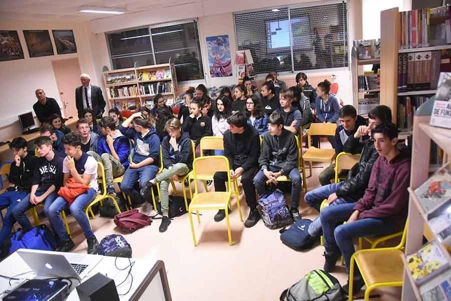 """Yssingeaux : les lycéens d'Emmanuel-Chabrier ont tourné un """"suédage"""" de film"""