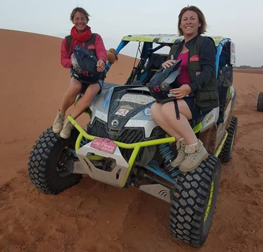 Sylvie Vidal et Caroline Sauvage sur le podium du rallye Cap Femina Aventure