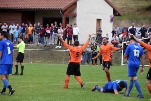 Foot : Grazac-Lapte pris dans l'étau d'une D2 du Puy-de-Dôme