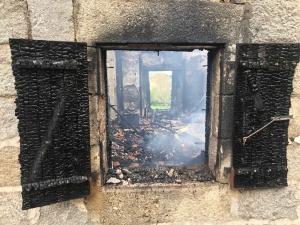 Lapte : une maison détruite dans un incendie dans le bourg historique