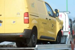 Yssingeaux : accrochage entre une voiture et un fourgon de la Poste