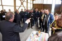 Des agriculteurs échangent avec un député de la Creuse sur l'alimentation