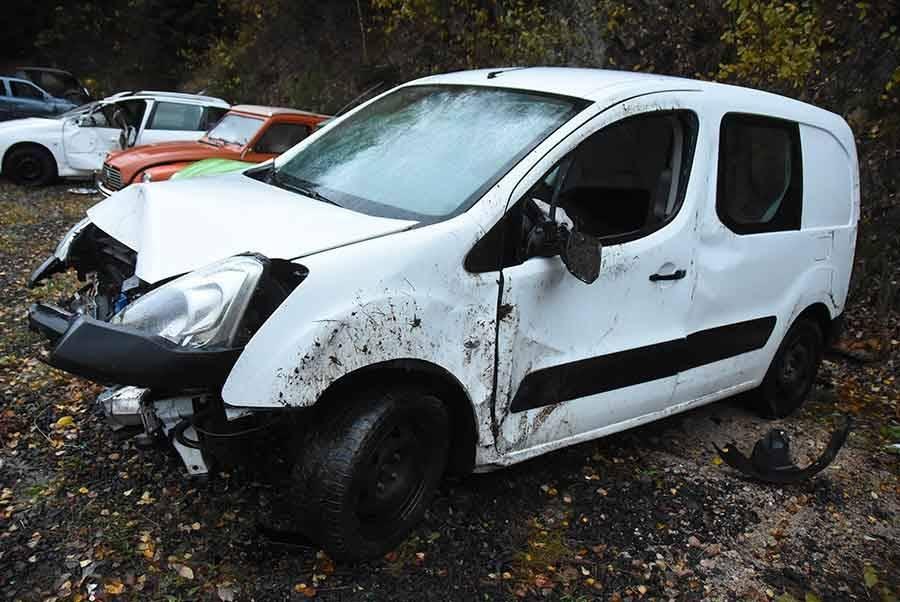 Des routes glissantes et des véhicules accidentés en Haute-Loire