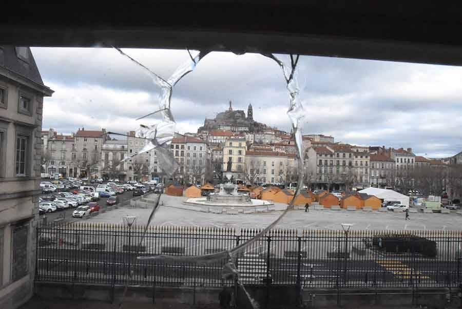Gilets jaunes : le préfet de Haute-Loire se prépare à toute éventualité (vidéo)