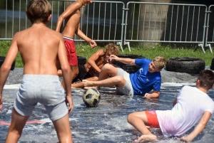 Retournac : du foot sur bâche testé avec les classards