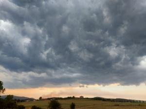 Le ciel ce samedi à Saint-Bonnet-le-Froid. Photo Armel Pineau