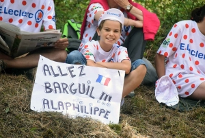 Tour de France : au coeur de l'ambiance dans le « Mur » d'Aurec-sur-Loire