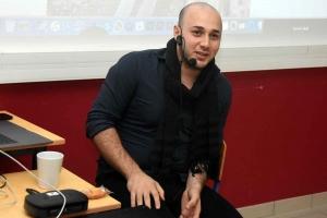 Monistrol-sur-Loire : des terminales du Château rencontrent un journaliste syrien réfugié