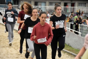 Cross du collège public de Monistrol : les minimes filles (4e-3e)