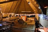 Admirez la remarquable grange qui accueille cette exposition !