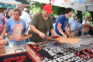 Saint-Julien-Chapteuil : 550 parts de tarte aux myrtilles vendues en 30 minutes