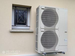 Pompe à chaleur air eau plancher chauffant et radiateurs