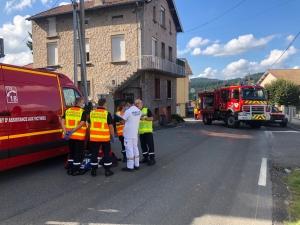 Dunières : deux motards héliportés après un accident dans le bourg