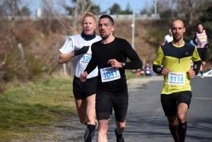 Le podium des 11 km : Emmanuel Paquet (1er), Florian Chastel (2e) et Antoine Motter (3e)