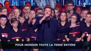 Quand les jeunes sapeurs-pompiers de Haute-Loire chantent avec Claudio Capéo (vidéo)