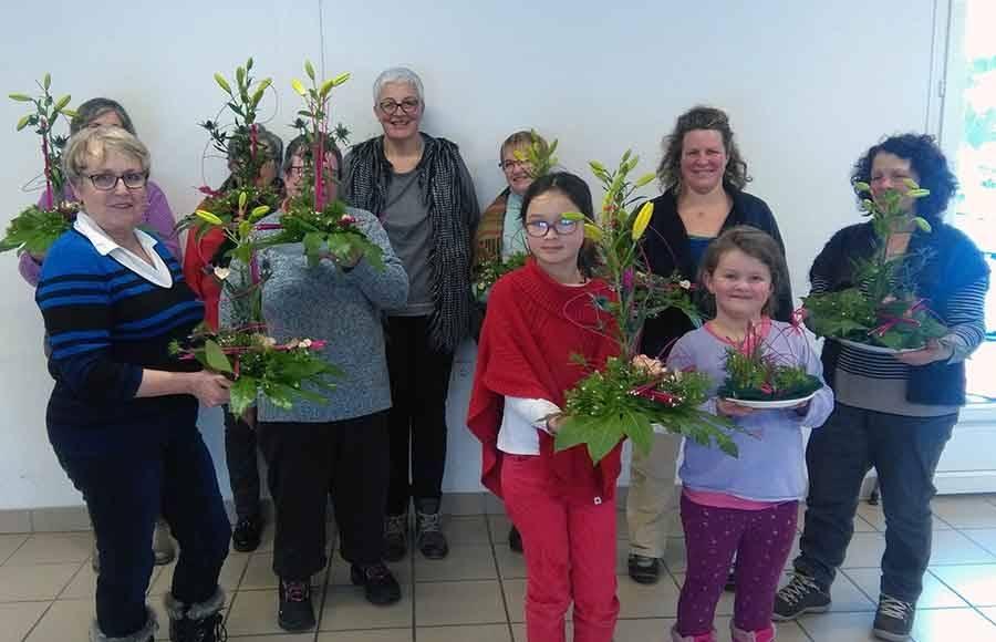 Tence : 18 participantes au cours d'art floral spécial Saint-Valentin