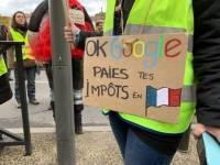 Gilets jaunes et syndicats continuent leur marche ensemble au Puy-en-Velay