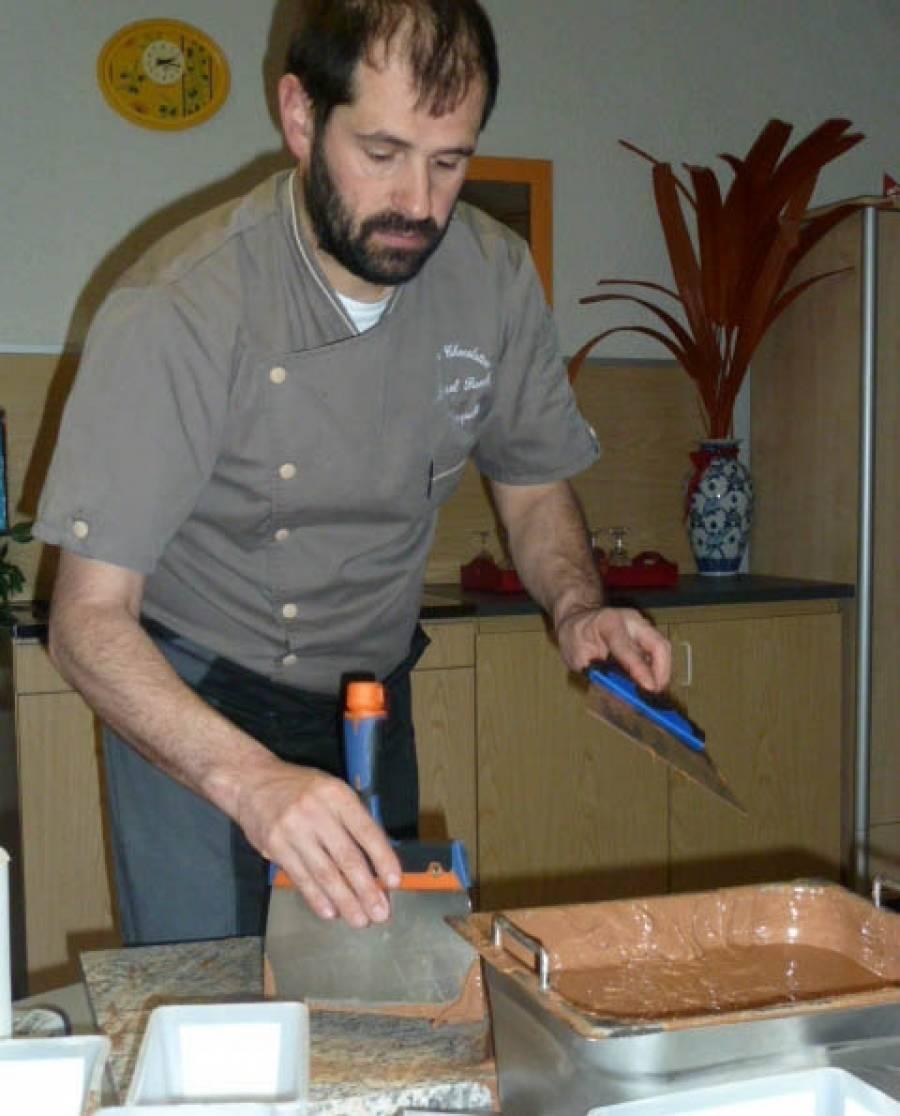 Le Puy-en-Velay : les résidents de la Maison Sainte-Anne s'initient au chocolat