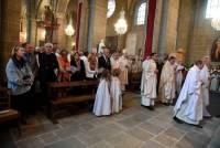 Dans la cathédrale, l'arrivée de la procession. Photo Lucien Soyere