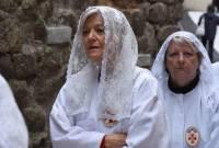 Toutes les confréries ne sont pas ouvertes aux femmes. Ici les pénitentes de Montpellier. Photo Lucien Soyere