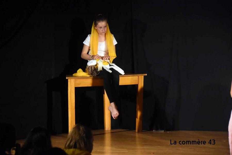 Chambon-sur-Lignon : 14 collégiennes montent sur les planches