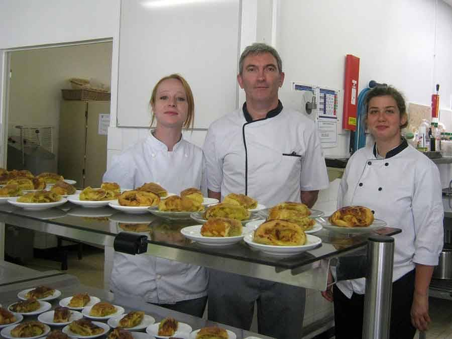Le Chambon-sur-Lignon : à la cantine, les collégiens voyagent avec la Semaine du goût