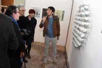 Lee Taxoo, céramiste coréen, offre une nouvelle vie aux céramiques anciennes.