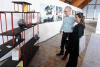 Une bibliothèque à composer sans outil proposée par Rémi Casado designer lyonnais, présentée par Benoît Barme.