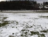 Les Villettes : ils ont déneigé le terrain de foot pour le match de dimanche contre l'ASSE
