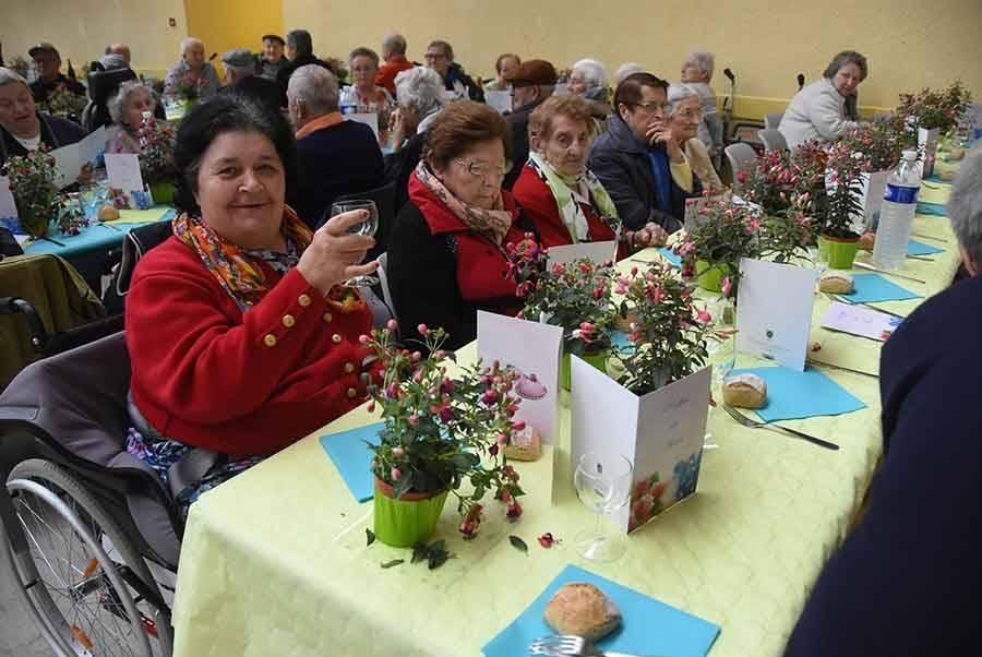 Yssingeaux : 450 aînés réunis pour un repas gratuit