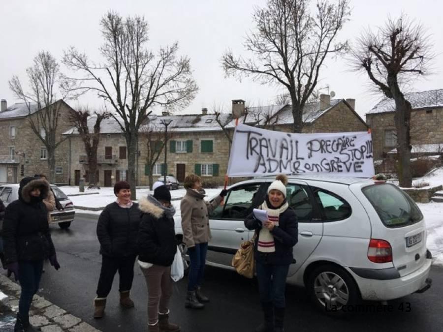Tence : plus de 300 signatures obtenues par les agents de l'ADMR en grève