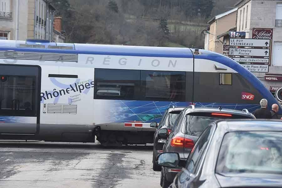 Train : des usagers d'Auvergne interpellent la Région et réclament des investissements