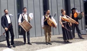 Tence : Interfolk réjouit les résidents de la Sérigoule