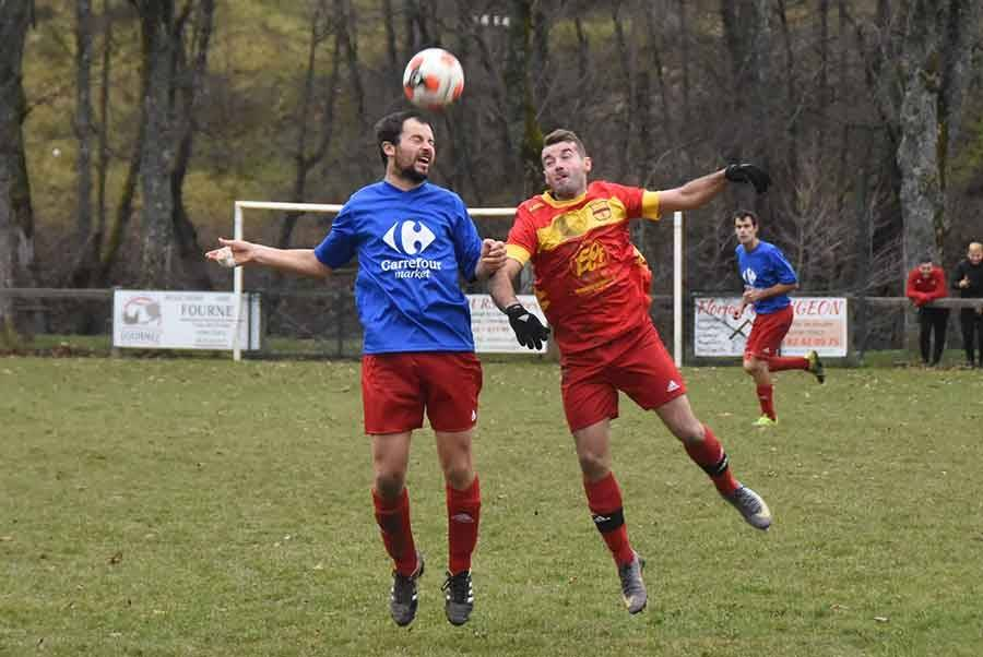 Foot : Tence arrache le match nul contre Sainte-Sigolène