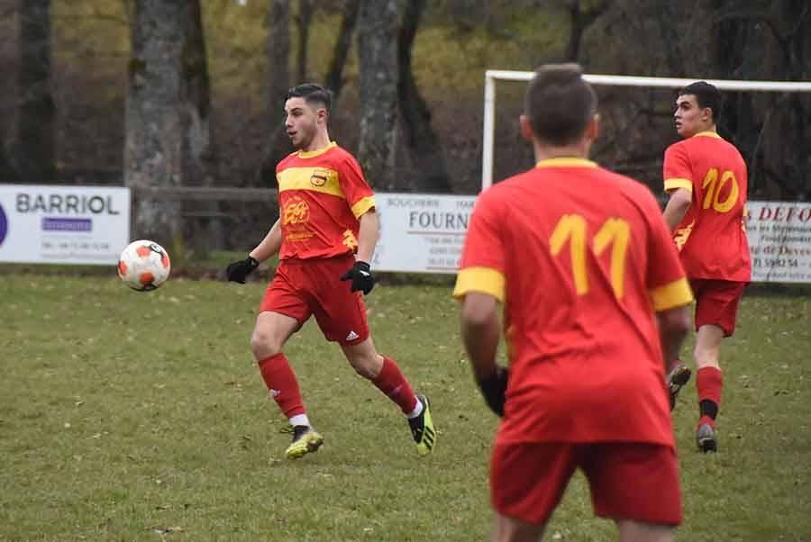 Foot : Tence arrache le match nul contre Sainte-Sigolène