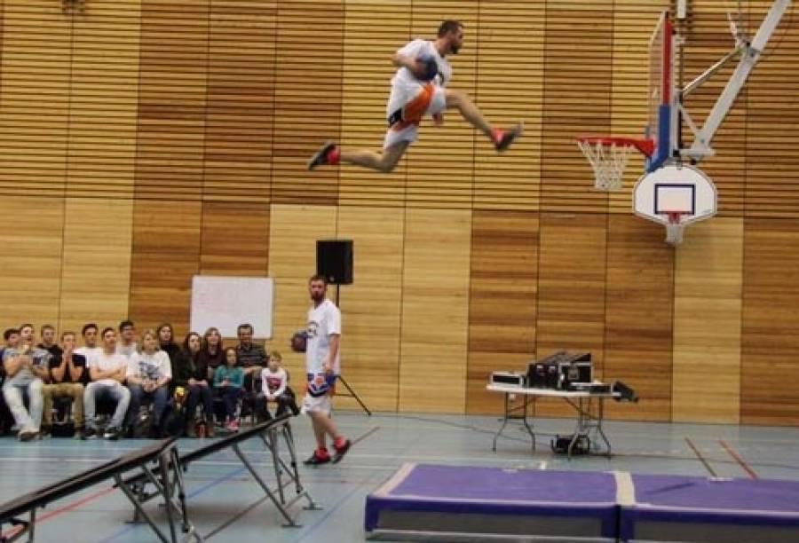 Tence : samedi, le basket sera forcément barjot et acrobatique