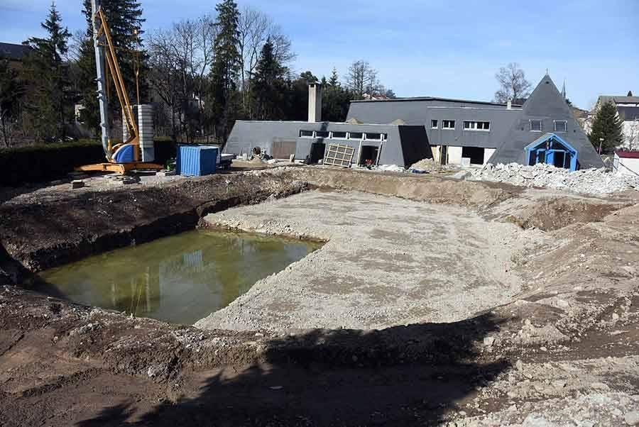 Le chantier de la piscine est en cours