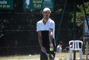Tennis : Aravane Rezaï abandonne, la tête de série numéro un éliminée