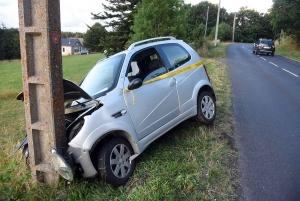 Mazet-Saint-Voy : la voiturette finit contre un poteau, un message laissé sur la carrosserie