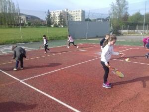 Aurec-sur-Loire : une initiation au tennis pour l'école Notre-Dame-de-la-Faye