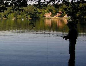 Un concours de pêche à la mouche samedi au lac du Bouchet