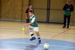 Saint-Just-Malmont : les footballeurs du Haut-Pilat Interfoot se mesurent au futsal