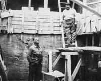 Jules Neyron (à droite) a créé l'entreprise en 1936.